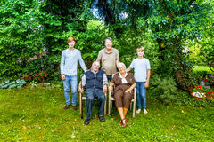 Extended family group posing Royalty Free Stock Photos