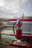 Extenguisher du feu de produit chimique sec de raffinerie pour la sécurité du travail Image stock
