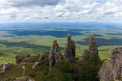 Extensión ilimitada Visión desde las montañas Pilares de piedra naturales fenómeno Chiquitania bolivia Fotografía de archivo libre de regalías