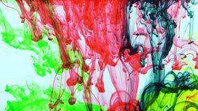 Extensiones coloridas excelentes de la pintura en agua almacen de video