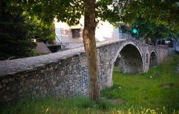Exterioir-Ansicht zur Gerber-Brücke nahe Lana-Fluss, Tirana, Albanien lizenzfreie stockbilder
