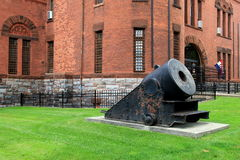 Exterior architecture and large cannon at entrance of New York State Military Museum and Veterans Research Center,Saratoga,2015 Royalty Free Stock Photos