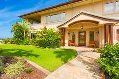 Exterior bonito da casa Imagens de Stock Royalty Free