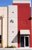 Exterior colorido moderno do edifício fotos de stock royalty free