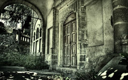 Exterior of creepy abandoned old house Stock Photos