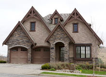 Exterior da casa da casa de Brown Imagens de Stock