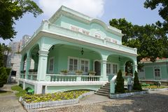 Exterior da casa portuguesa tradicional na vila de Taipa, Macau, China foto de stock royalty free