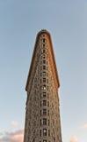 Exterior da construção do ferro de passar roupa de NYC no por do sol Imagens de Stock