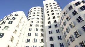 Exterior da construção do projeto da arquitetura, Dusseldorf, Alemanha vídeos de arquivo