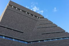 Exterior da galeria de arte de Tate Modern em Londres o 11 de março de 2019 imagem de stock