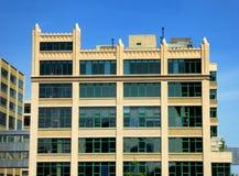 Exterior de cristal de los edificios de oficinas de New York City Imagen de archivo libre de regalías