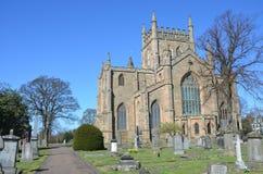 Exterior de la abadía de Dunfermline Fotos de archivo