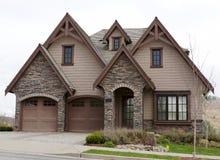 Exterior de la casa del hogar de Brown Imagenes de archivo