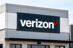 Exterior de la tienda al por menor de Verizon Wireless imagenes de archivo
