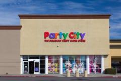 Exterior de la tienda de la ciudad del partido Fotos de archivo