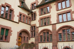 Exterior de la yarda interna del edificio del ayuntamiento en Basilea, Suiza Imagen de archivo