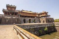 Exterior de Ngo Mon Gate, parte de la ciudadela en la capital vietnamita anterior Hué, Vietnam central, Vietnam imagen de archivo libre de regalías