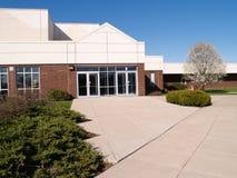 Exterior de uma escola moderna Imagem de Stock