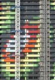 Exterior de un buiilding colorido debajo fotos de archivo libres de regalías