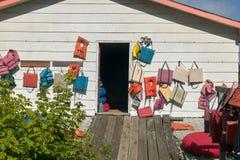 Exterior de un club o de una tienda de madera Imagen de archivo libre de regalías