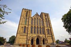 Exterior de una catedral histórica en North Yorkshire, Inglaterra de Ripon. Imagen de archivo