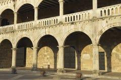 Exterior del palacio de los dos puntos en la puesta del sol en Santo Domingo, República Dominicana Foto de archivo