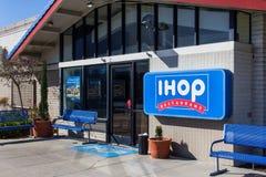 Exterior del restaurante de IHOP Fotografía de archivo libre de regalías