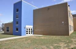 Exterior moderno de la escuela primaria Fotografía de archivo libre de regalías