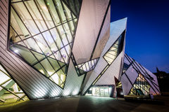 The exterior of the Royal Ontario Museum at night, in the Discov Royalty Free Stock Photos