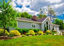 Exterior suburbano de la casa Fotografía de archivo