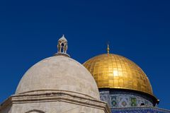 Dome of the Rock, Jerusalem. Exterior view of the Dome of the Rock Al Qubbet As-Sahra in Arabic in the holy site of the Old City in Jerusalem, Israel stock images
