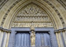 Exterior of Westminster abbey. With statue Stock Photos