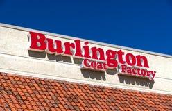 Exterior y logotipo de Burlington Coat Factory Warehouse Corporation Fotos de archivo