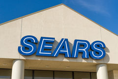 Exterior y logotipo de los grandes almacenes de la venta al por menor de Sears Imagenes de archivo