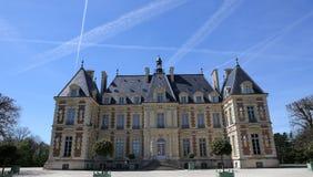 Exteriores do castelo de Sceaux, Sceaux, França Imagens de Stock