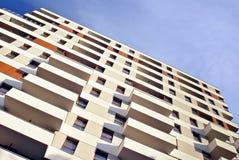 Exteriores modernos dos prédios de apartamentos Fotografia de Stock Royalty Free