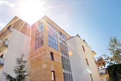 Exteriores modernos dos prédios de apartamentos Fotografia de Stock