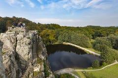 Externsteine视图在秋天,德国,社论 库存图片