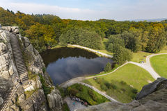 Взгляд Externsteine в осени, Германии, редакционной Стоковые Изображения
