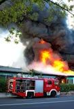 Extinción del fuego grande Imágenes de archivo libres de regalías