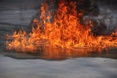 Extingue un fuego Fotos de archivo