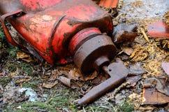 Extintor viejo y del daño Foto de archivo