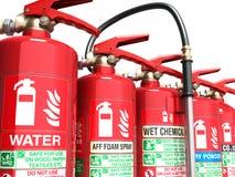 Extintores isolados em vários tipos do fundo branco de Imagem de Stock