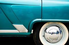 Extrémité arrière d'une vieille voiture Images libres de droits