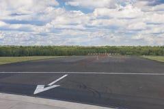 Extrémité de piste d'atterrissage Photos stock