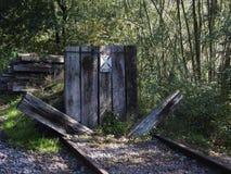 Extrémité de vieille ligne ferroviaire Photographie stock