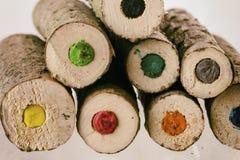 Extrémités de grands crayons colorés naturels Photographie stock libre de droits