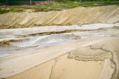 Extração da areia, poço de areia com água Fotos de Stock Royalty Free