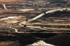Extração de carvão no poço aberto fotografia de stock royalty free