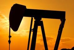 Extração do petróleo cru Fotos de Stock